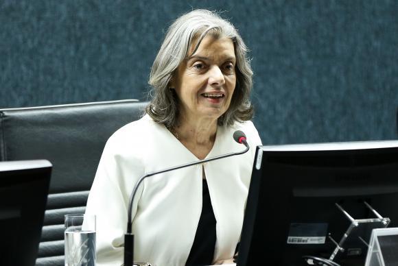 Cármen Lúcia assume pela 3ª vez a presidência da República