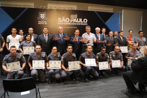 São Paulo : Policiais do Estado de São Paulo são homenageados nesta quarta, 11