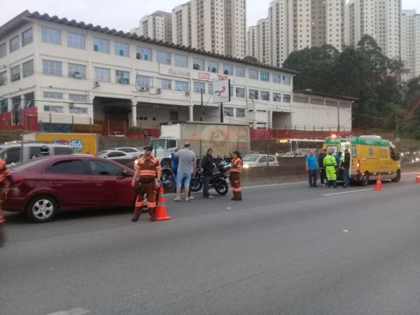 Acidente de trânsito em Taboão da Serra deixa vítima