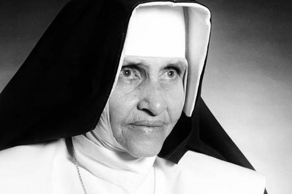 Irmã Dulce torna-se a primeira santa nascida no Brasil