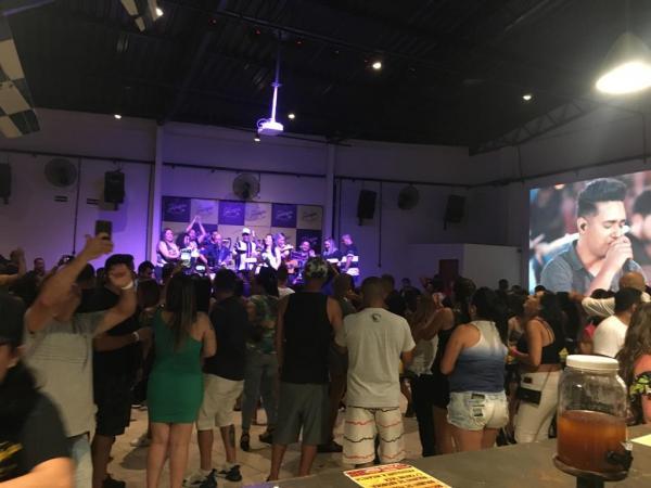 Domingueira Sertaneja lota o Hangar Choperia em Taboão da Serra