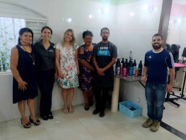 Escola de Estética Animal de Taboão da Serra fecha parceria com empresa para fornecimento de produtos