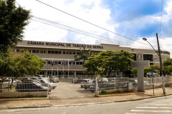 Câmara de Taboão da Serra irá iluminar prédio para sensibilização do Novembro Azul