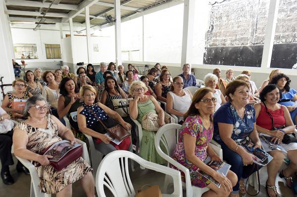 Guarulhos SP : Participantes do Miss e Mister Melhor Idade se confraternizam no CCI