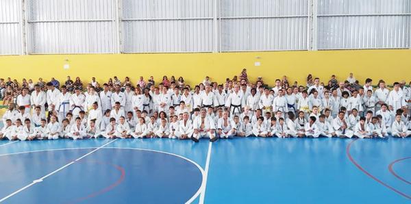 Os testes reuniram 150 judocas entre, crianças, adolescentes e adultos - Foto: divulgação
