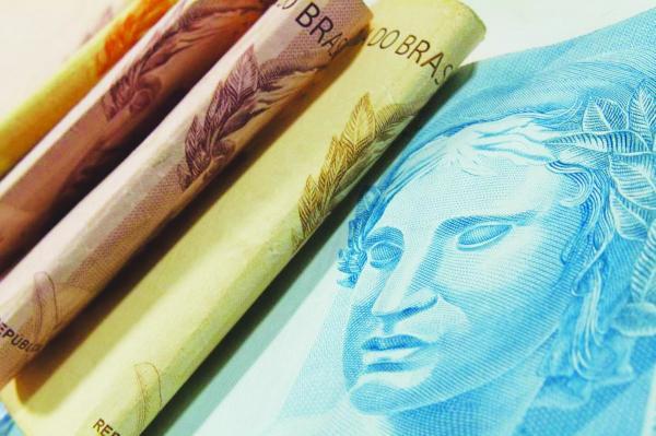 Economia : Décimo terceiro salário deve injetar R$ 214 bi na economia do país