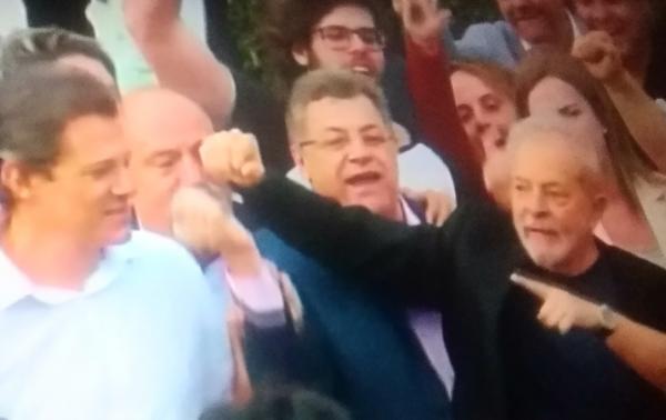 Lula acaba de sair da prisão