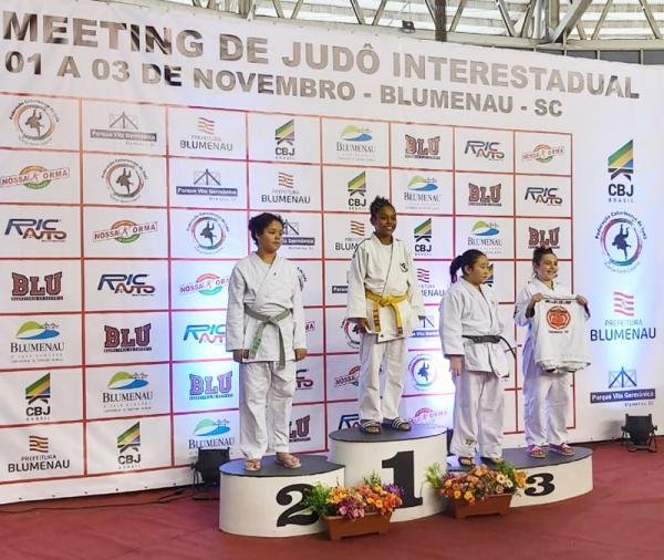 Taboão da Serra : Judoca Caroline Akemi conquista medalha de bronze em Santa Catarina