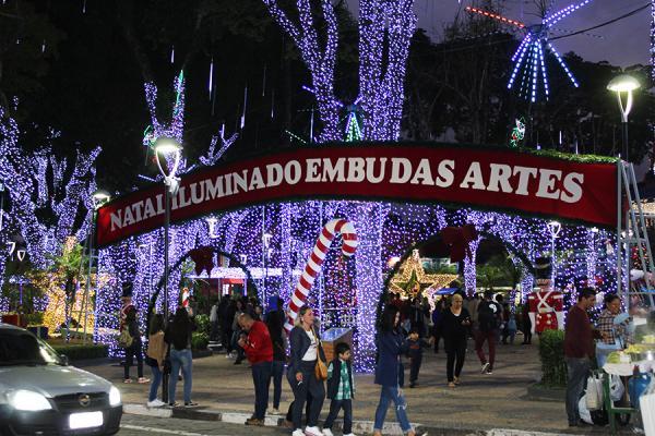 Embu das Artes realiza o 3º Natal Iluminado que será inaugurado no dia 6 de dezembro