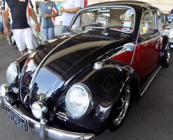 Embu das Artes recebe encontro de carros antigos no domingo, 1 de dezembro