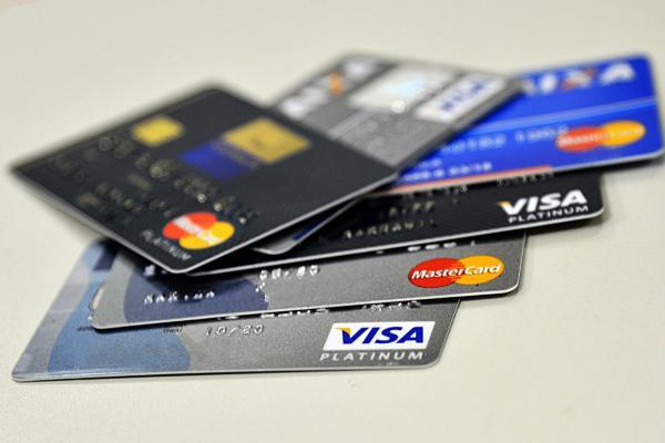 Juros do cheque especial: bancos não poderão cobrar taxas superiores a 8% ao mês