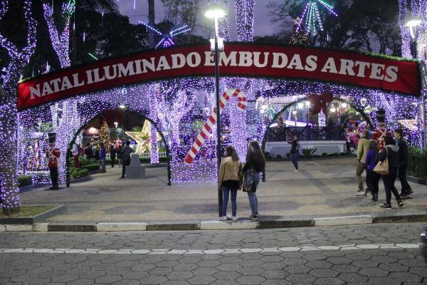 Abertura do Natal Iluminado de Embu das Artes acontece nesta sexta, 6, com muitas atrações