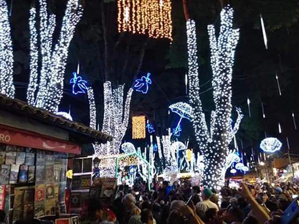 Inauguração do Natal Iluminado acontece na noite desta sexta-feira, 6, em Embu das Artes