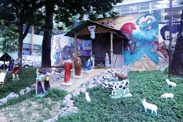 Guarulhos SP : Praça da Biblioteca Monteiro Lobato ganha presépio