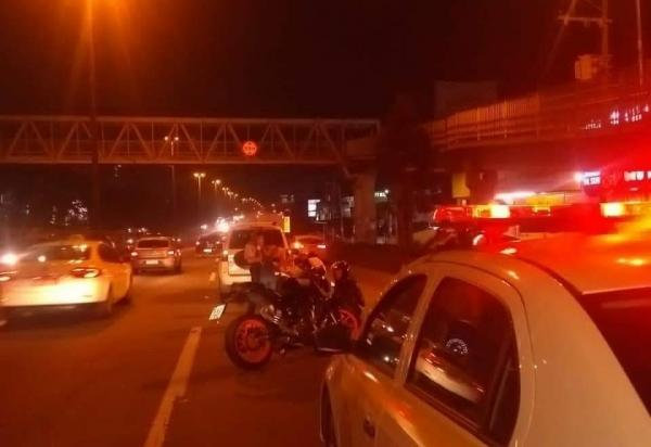 Taboão da Serra teve colisão entre moto e carro nesta sexta-feira, 6