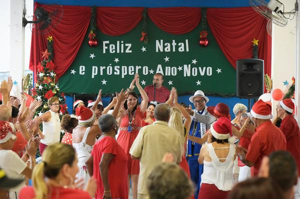 Guarulhos SP : Baile do Vermelho e Branco agita o CCI Santa Mena