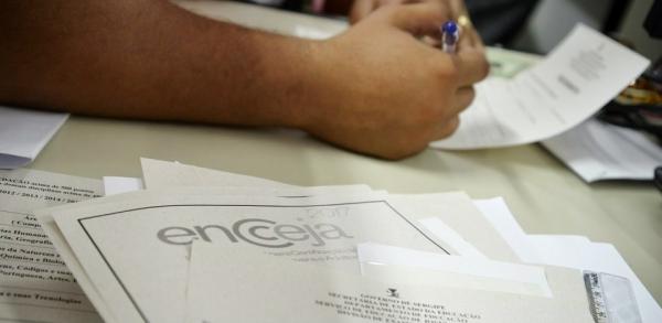 1,7 milhão de alunos fizeram prova visando certificado de conclusão dos ensinos fundamental ou médio