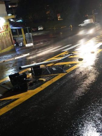 Sistema eletrônico de controle de trânsito é destruído por motorista em Taboão da Serra