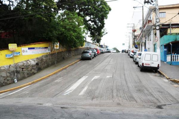Prefeitura de Itapecerica da Serra inicia recapeamento das ruas do centro