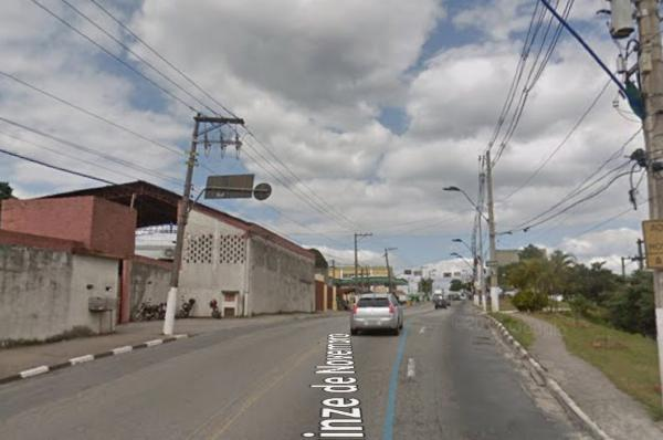 Colisão entre carros em Itapecerica da Serra deixa vítima