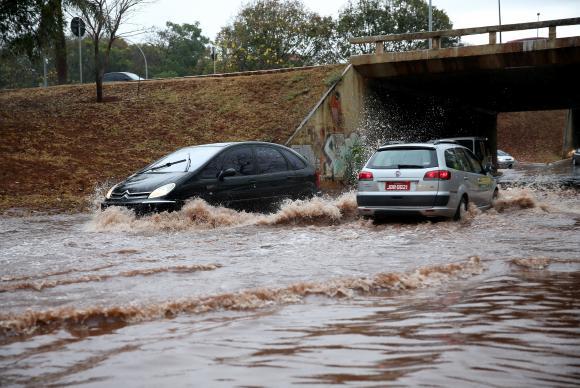 Minas Gerais : Enchentes e deslizamentos provocam 38 mortes