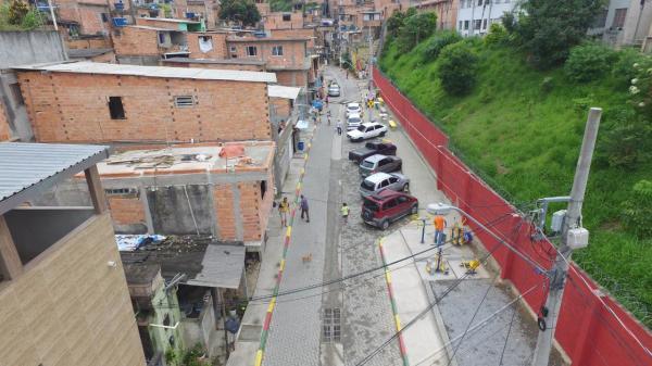 Embu das Artes tem rua revitalizada pela Prefeitura