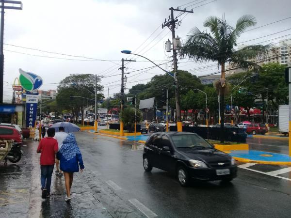 Fortes chuvas causam alagamentos em Taboão da Serra