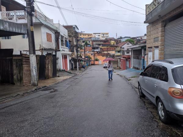 Moradora de Itapecerica da Serra reclama de falta de água há mais de 3 dias