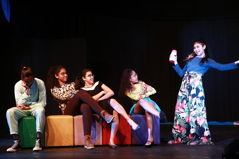 "Secretaria de Cultura promove projeto ""Faça Arte na sua Casa"""
