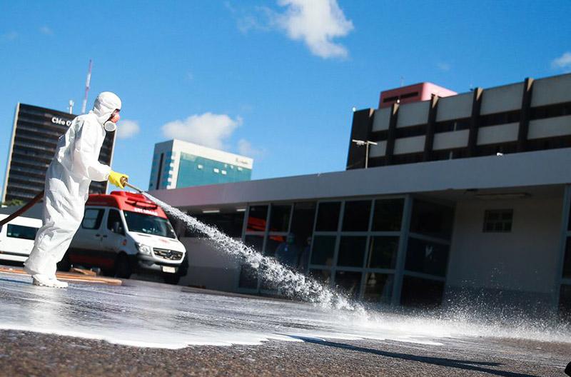 Brasil tem 3,3 mil novos casos e 189 mortes por covid-19 em 24 horas
