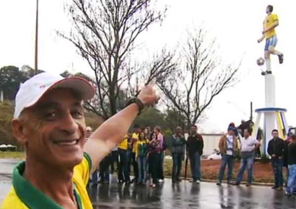 Elzo, craque da Seleção Brasileira de 86 é homenageado com estátua em Machado-MG
