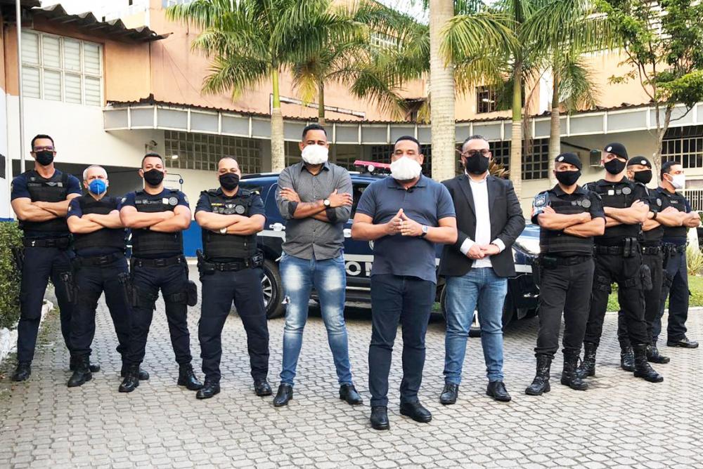 Embu das Artes SP: Novos inspetores da GCM são empossados em ato na prefeitura - Foto: PMEA