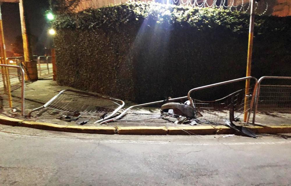 Taboão da Serra: grades de proteção aos pedestres são destruídas