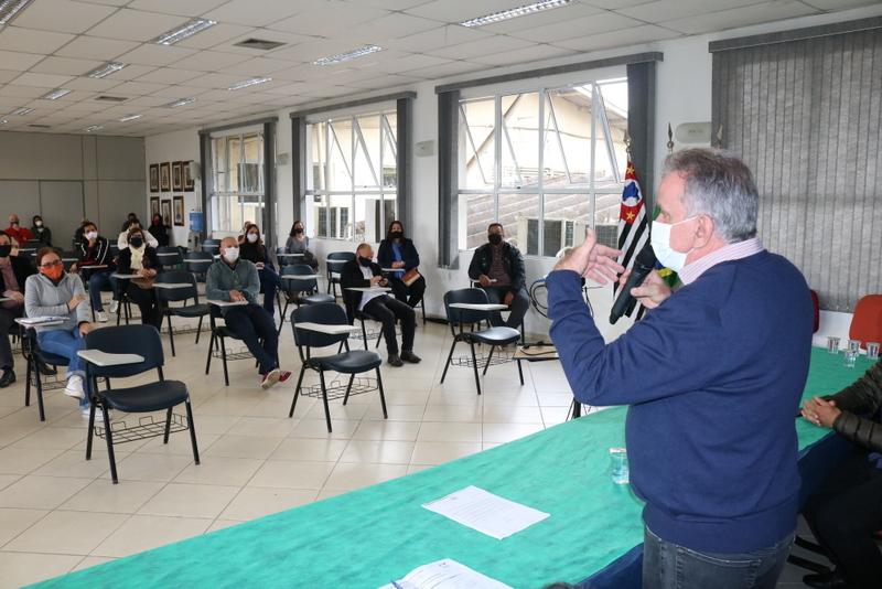 Itapecerica da Serra :Prefeito se reúne com comerciantes e empresários da cidade