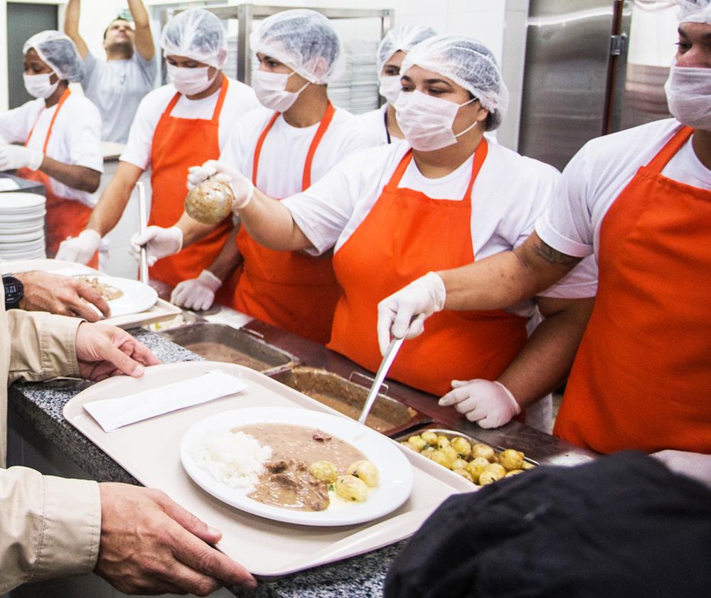 São Paulo: Governo prorroga oferta das três refeições diárias na rede Bom Prato - Foto: Elizeu T. Filho