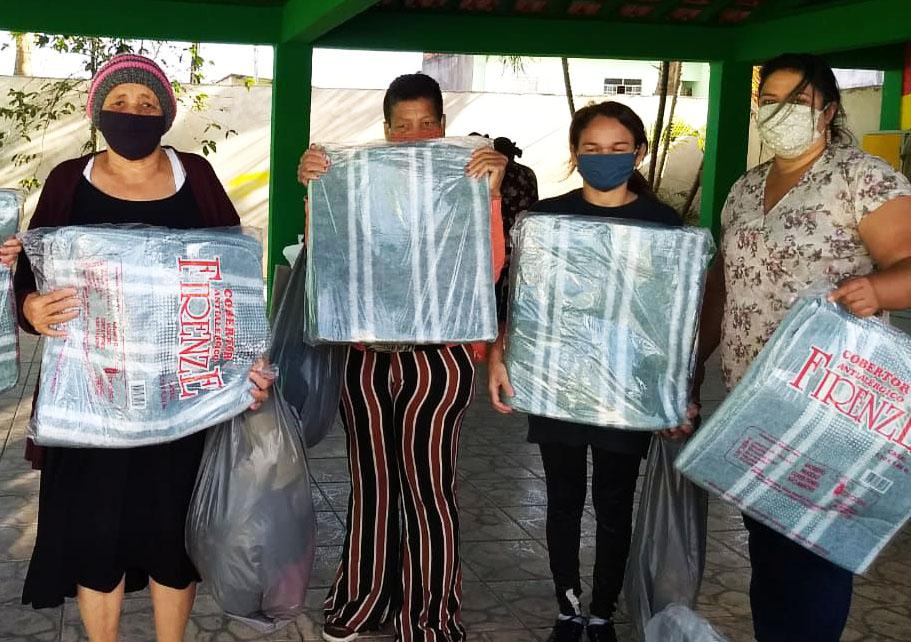 Embu das Artes: Campanha Inverno com amor, doe um cobertor continua. Faça sua doação!