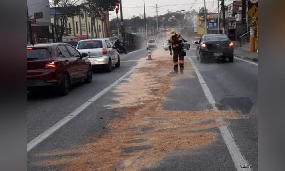 Centro de Taboão da Serra teve derramamento de óleo