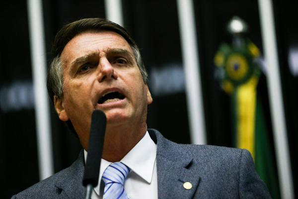 Filho de Bolsonaro disse que seu pai teve