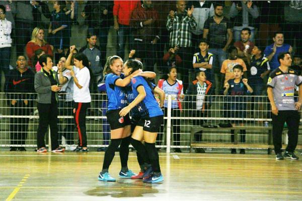 Futsal Feminino de Taboão empata com Cianorte e pode ser campeã da Copa do Brasil 2018