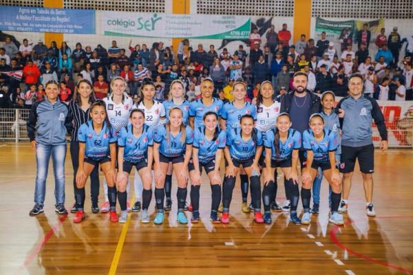 Equipe de Futsal Feminino de Taboão é vice-campeã da Copa Brasil 2018