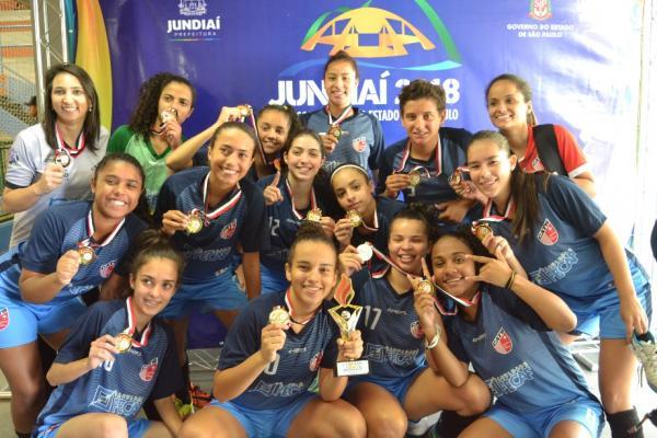 Futsal feminino de Taboão da Serra é campeão dos Jogos Infantis de São Paulo