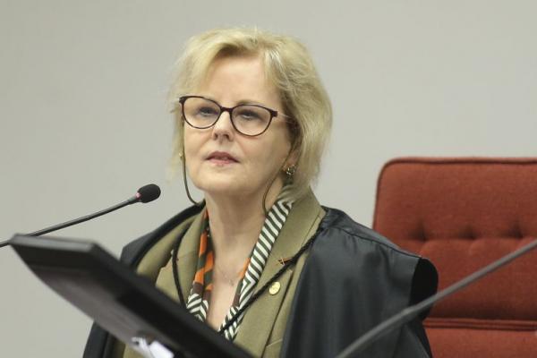 Presidente do TSE Rosa Weber pede que eleitor não deixe que nada