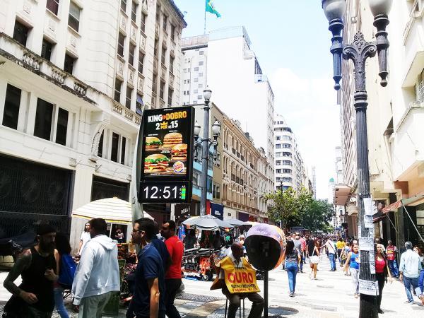 Cresce confiança do consumidor em São Paulo pelo terceiro mês seguido