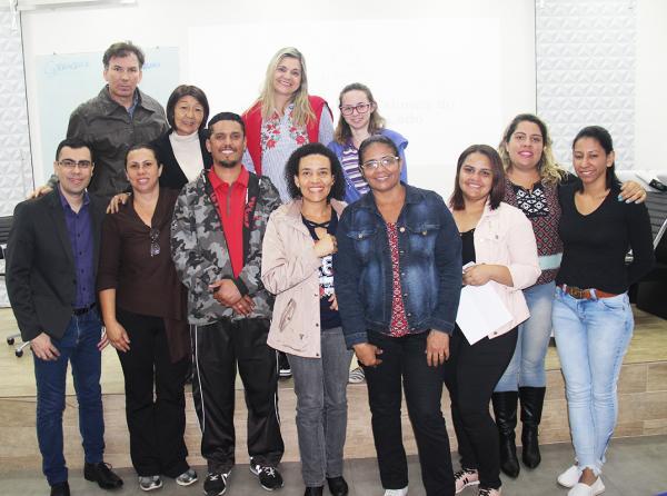 Alunos de Cabeleireiro do Programa Lado a Lado de Taboão da Serra participam de workshop na Mart'bel
