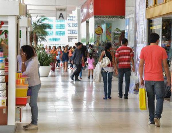 Natal deste ano deve movimentar R$ 53,5 bilhões na economia do país