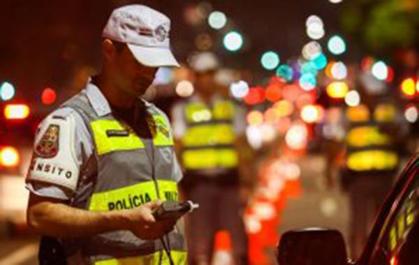 Detran.SP autua 76 motoristas em operações da Lei Seca em quatro cidades