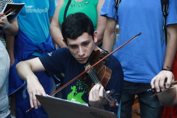Inscrições abertas para cursos de instrumentos musicais em Taboão da Serra