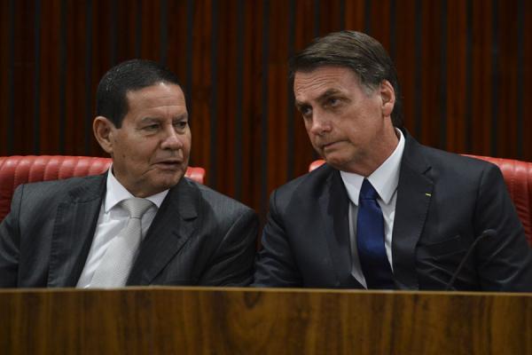 Presidente eleito Jair Bolsonaro e o vice Mourão são diplomados pelo Tribunal Superior Eleitoral