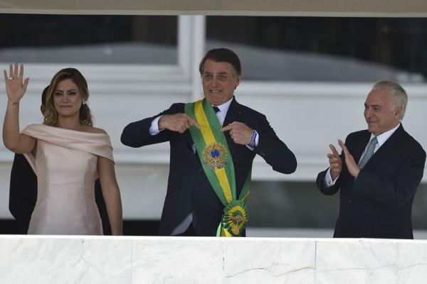 Presidente Jair Bolsonaro defende fim da corrupção, privilégios e vantagens