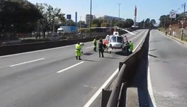 Helicóptero da PM realiza resgate de vítima de acidente na BR